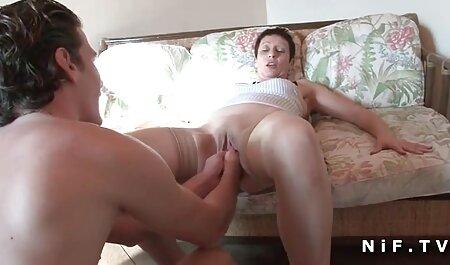 Sexy grassouillet famille française xxx avec de beaux seins se masturbe