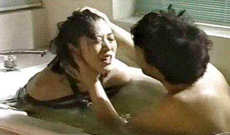 Maria et Laura porno massage famille sexe de groupe