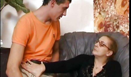 Euro Foxes - Michelle - Déesse du lit de site porno en famille jour - Twistys