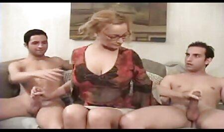 THE WHITE BOXXX Superbe orgasme de lesbiennes après avoir léché la chatte film porno frère et soeur