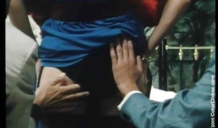 Babe pussylicking pendant la film porno français en famille levrette en trio
