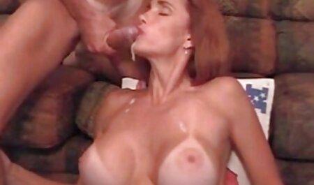 Bratty Sis - filmpornofamille Horny Bro glisse une bite dans la chatte d'une ado de Besties