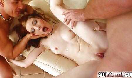 Des mamans matures affamées massage famille porno sucent et baisent des papas
