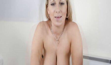 Jennifer White Riley Steele partage une family porn french bite chanceuse