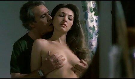 Belle-fille pussylicked film porno en famille frappé en bas