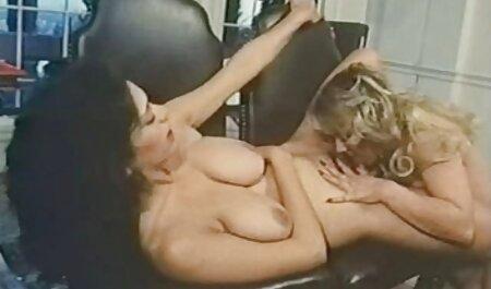 Mamie aux gros seins film porno en famille et aux énormes lèvres de sa chatte pipe et sexe