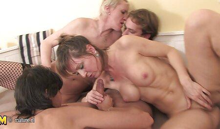 Blonde film porno famille complet prend une gorge extrêmement dure et se fait défoncer la chatte